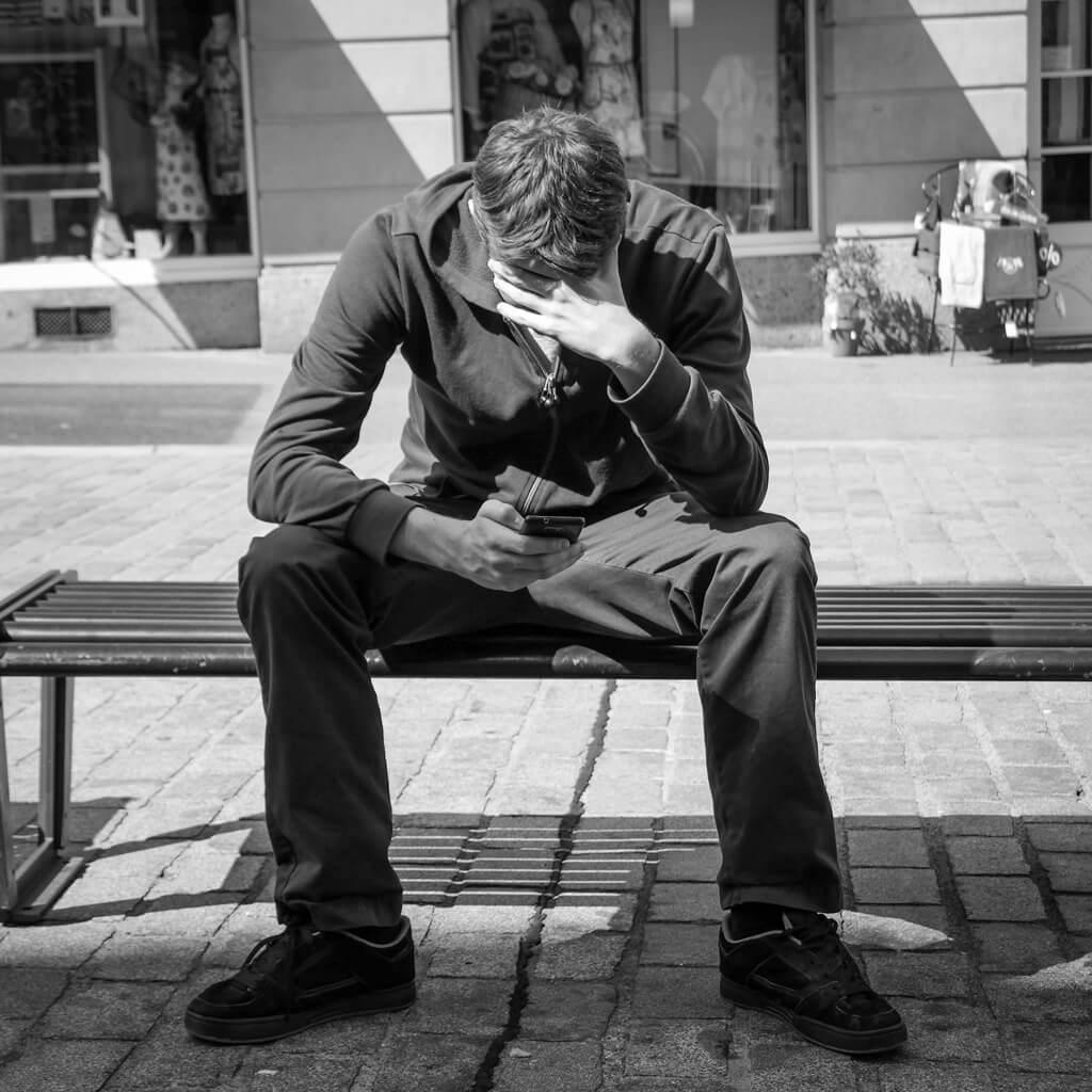 ネットビジネスで生活する道 憂鬱