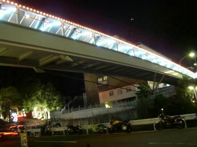 夜の神戸駅