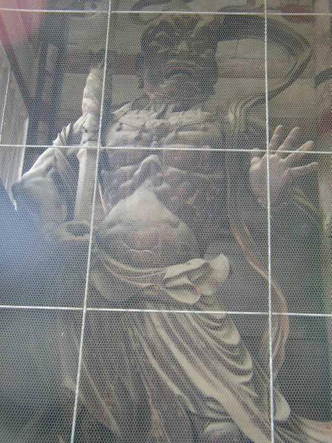 奈良県奈良公園の東大寺金剛力士像