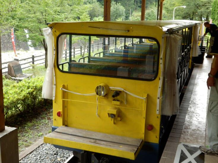 栃木県日光旅行足尾銅山トロッコ列車