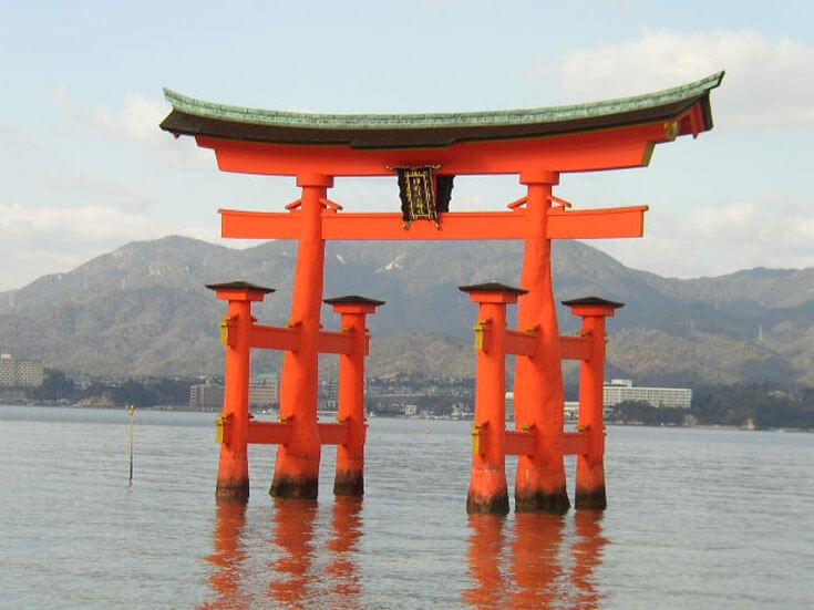 広島県旅行観光宮島厳島神社大鳥居